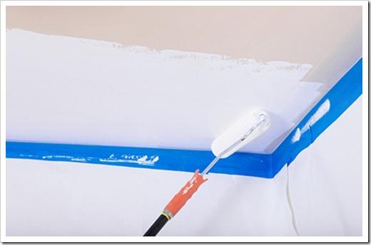 Покраска потолка акриловой краской