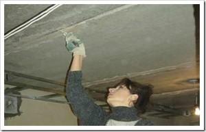 Шпаклюем потолки с бетонным перекрытием