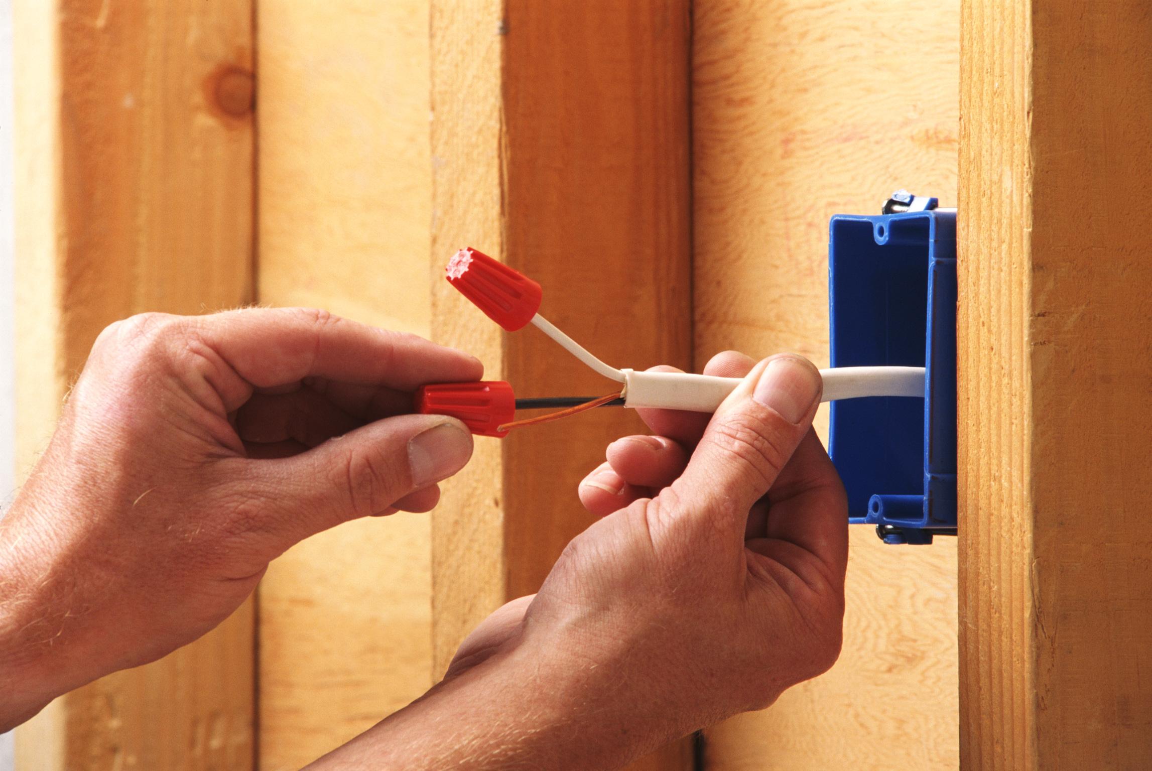 Как поменять проводку в доме своими руками
