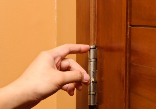 Демонтаж межкомнатной двери