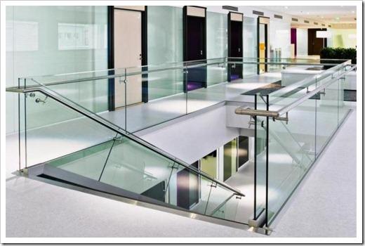 Принципы монтажа стеклянных ограждений