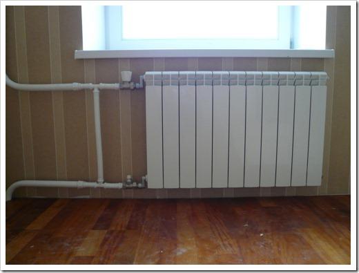 Металл радиаторов при подключении не имеет особенной роли