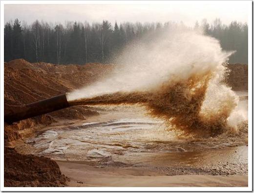 Добыча песка при помощи намывного способа
