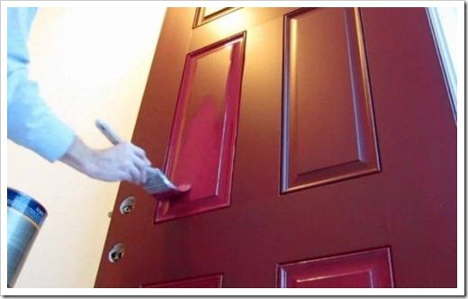 Процесс удаления старой краски и выравнивания поверхности