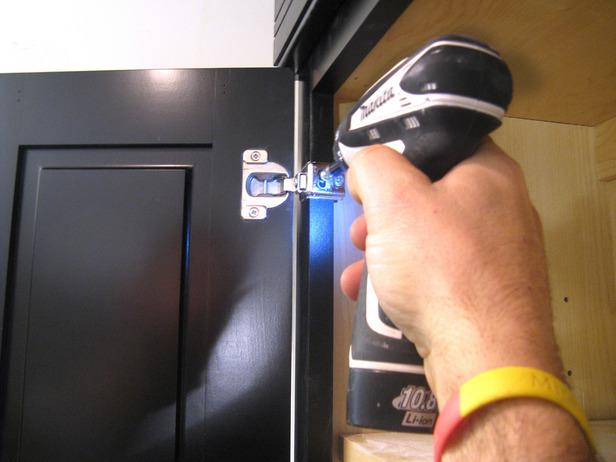 Как самому установить входную металлическую дверь