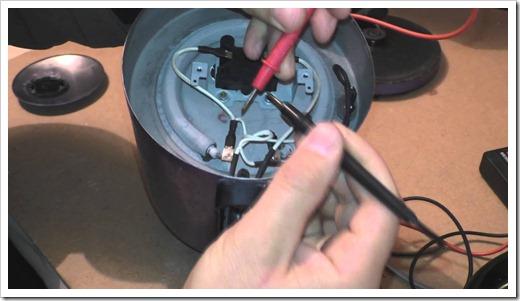 Какие инструменты потребуются для выполнения электрического ремонта?