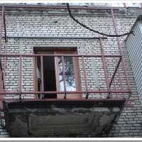 Два наиболее популярных способа расширения балкона