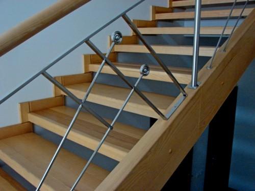 Монтаж лестничных ступеней
