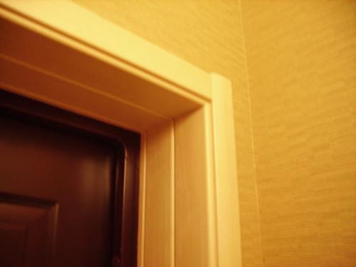 Как установить доборы на межкомнатную дверь