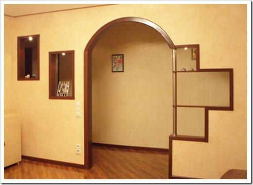 Полукруглые формы в оформлении дверного проёма