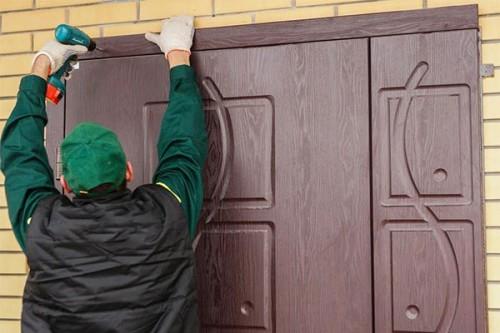 Монтаж входной металлической двери