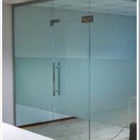 Разновидности стеклянных дверей, доступных на рынке